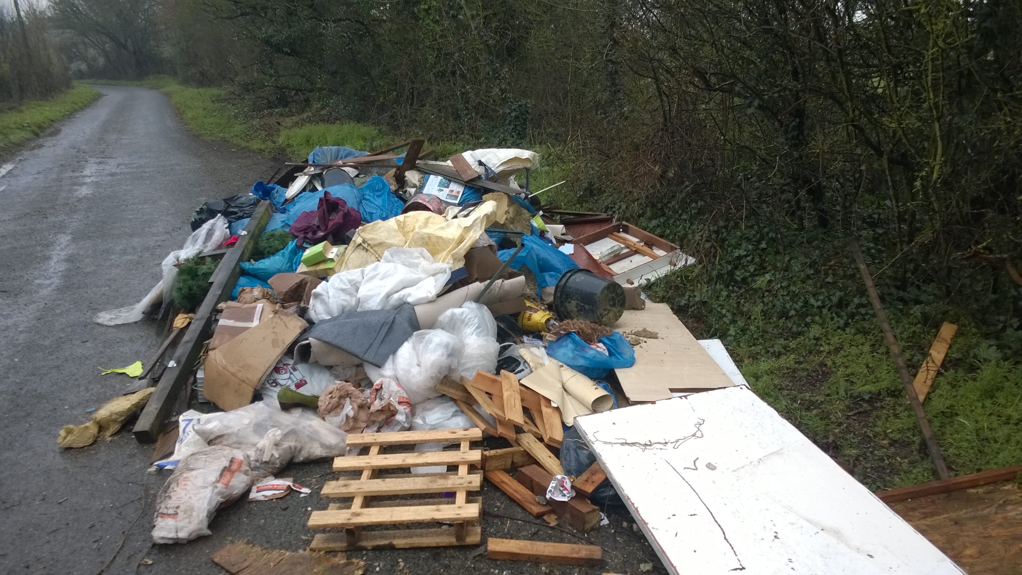 Flytipping at Spurlings Road
